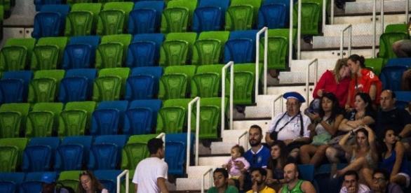 Público deixa arenas vazias na Olimpíada