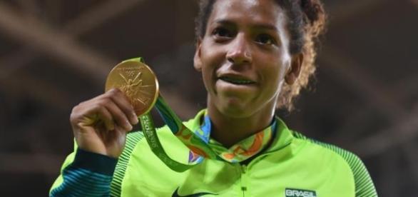 Rafaela Silva ganha primeiro ouro do Brasil