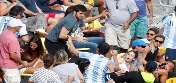Briga entre brasileiro e argentino suspendeu partida