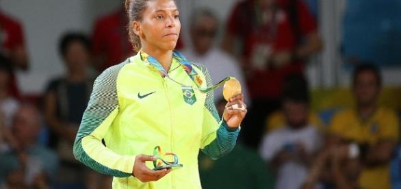 Rafaela Silva ganha o primeiro ouro do Brasil - com.br