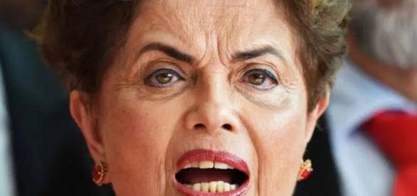 Dilma Rousseff vai voltar, pelo menos é o que ela diz