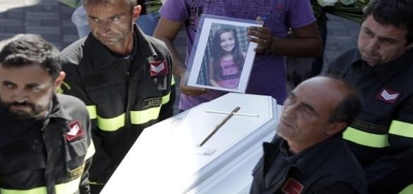 Giulia, 9 anos - (AP Photo/Gregorio Borgia)