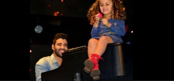 Gustavo Lima e sobrinha - Foto/Facebook