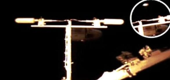 Há poucos dias do término das transmissões, ovnis são captados (NASA/Streetcap1)