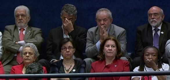 Lula acompanhando o julgamento final do impeachment de Dilma Rousseff
