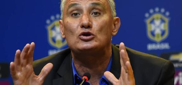 Tite definiu 11 titulares para o jogo contra o Equador