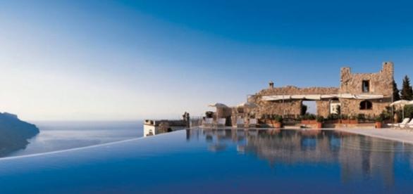 As piscinas mais ousadas do mundo unem arquitetura e natureza para garantirem beleza e raridade ímpar
