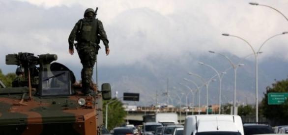 Exército ocupa ruas do Rio de Janeiro