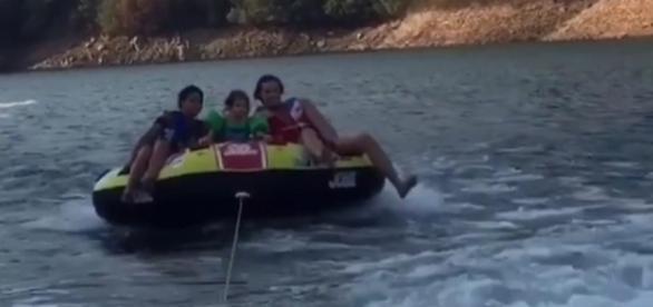 Sofia, Yasmin e Tierry passearam de barco em Castelo de Bode