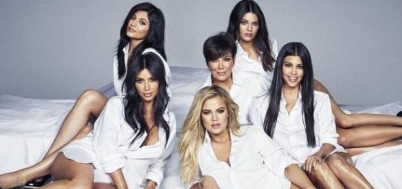 Família Kardashian: Kris, Kourtney, Kim, Khloé, Kendall, Kylie.