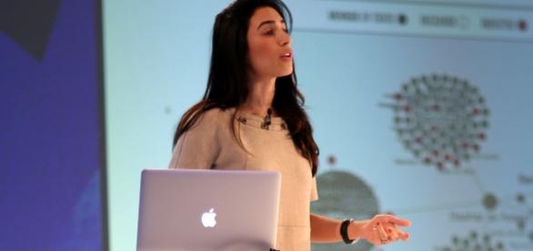 "Yasmin Green, responsable du projet ""Redirect Method"""