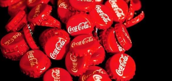 Imagens da Coca Cola segundo informações fábrica da França estaria colocando heroína pura na fórmula.