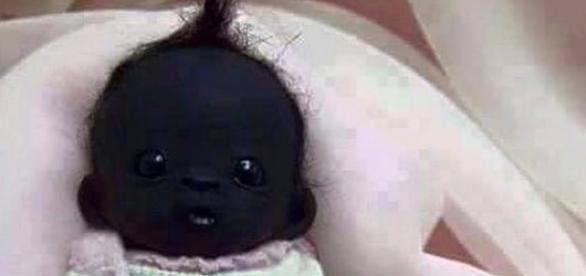 Impactante, ¿Pero es real? El Bebé Con La Piel Más Oscura Del Mundo - enviralizate.com