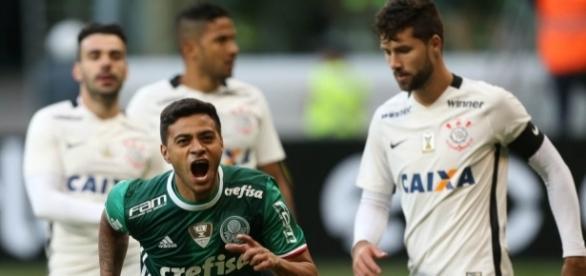 Cleiton Xavier comemora vitória por 1 a 0 contra o Corinthians, no Allianz Parque, na 7ª rodada do Brasileirão (Foto: Cesar Greco/Ag Palmeiras)