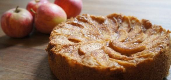 Apple Cake ...- thewyldekitchen.com