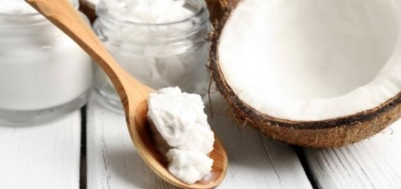 O ácido láurico existente no óleo de coco fortalece a imunidade e elimina vírus e bactérias