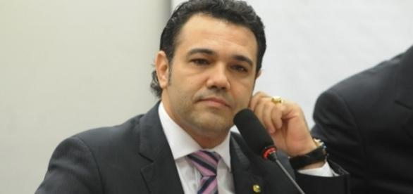 STF confirma abertura de inquérito contra deputadao acusado de estupro por jornalista