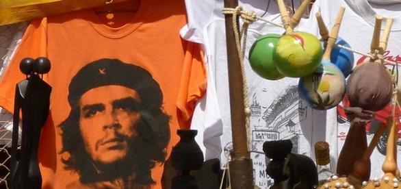 Cuban revolutionary hero Che Guevara poster in a Cuban market stall. Photo Courtesy: Pixabay