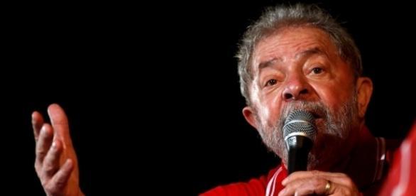 Luiz Inácio Lula da Silva fez pronunciamento na TV para se defender de denúncias