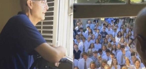 Professor Ben Hills recebe homenagem de alunos
