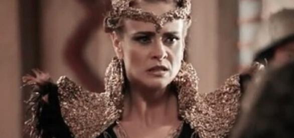 Rainha irá disfarçada na estalagem de Farduk