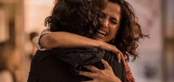 Camila Pitanga chora em 'Velho Chico' - Foto/Reprodução