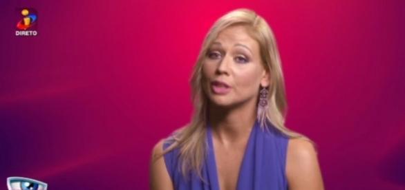 Christina namorou com antigo concorrente. Saiba quem.