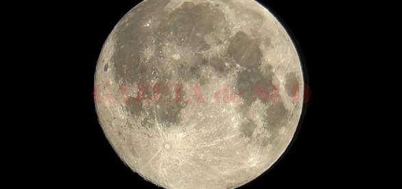 Luna, între mister şi legendă • GAZETA de SUD - gds.ro