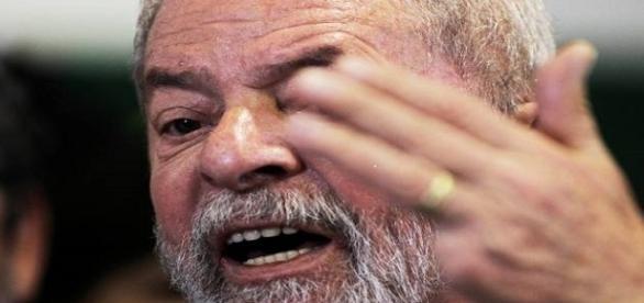 O ex-presidente Lula promove representação contra procuradores da Lava Jato.