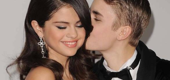Selena Gomez está decidida a esquecer de vez o ex