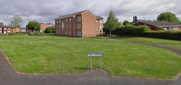 """Un student a fost înjunghiat cu o sticlă spartă într-un parc din Donnington pentru simplul motiv că """"vorbea în poloneză"""" - Foto: Google Streetview"""