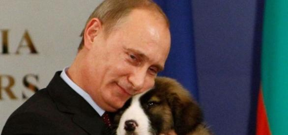 Il partito Russia Unita vince le elezioni in Russia - esquire.com