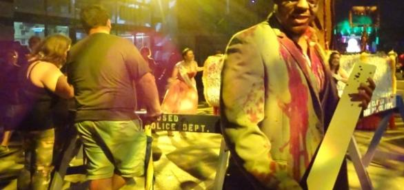Beware the scareactors roaming the streets at Halloween Horror Nights. (Photo by Barb Nefer)