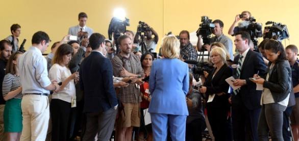 Hillary Clinton 2016: The women in the press van - POLITICO - politico.com