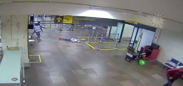 Jovem foi executado com 15 tiros dentro do aeroporto.