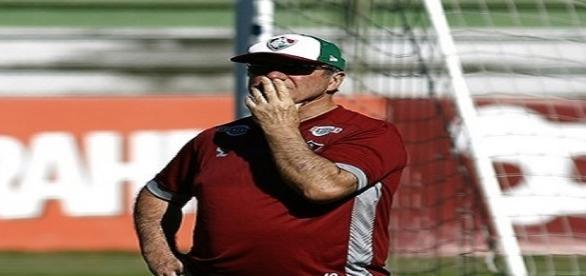 Levir Culpi vive um momento turbulento no Fluminense (Foto: Arquivo)