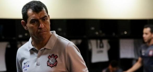 Será a terceira vez que Fabio Carille assume como técnico interino do Timão; até aqui foram quatro jogos, com uma vitória, um empate e duas derrotas