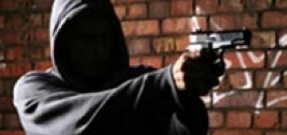 Agente reagiu a tentativa de assalto e acabou baleado