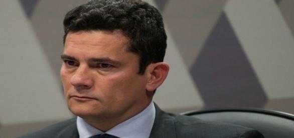 Moro recebe ameaças de Vagner Freitas da Central Única dos Trabalhadores.