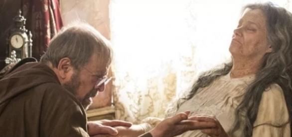 Padre Benício encontra Encarnação morta (Divulgação/Globo)