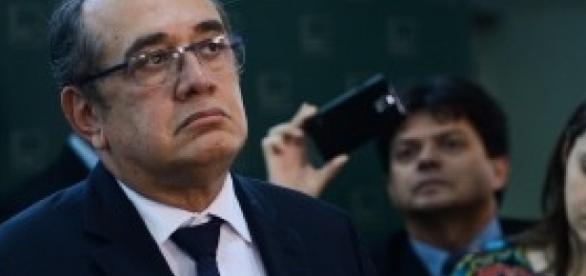 Ministro do STF, Gilmar Mendes criticou fatiamento de votação do impeachment de Dilma Rousseff