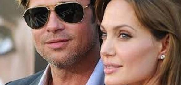 Angelina Jolie foi quem pediu o divórcio