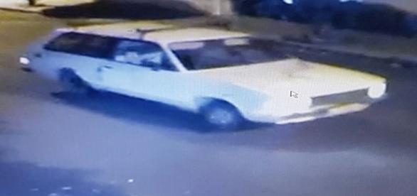 Carro usado pelos bandidos para escapar