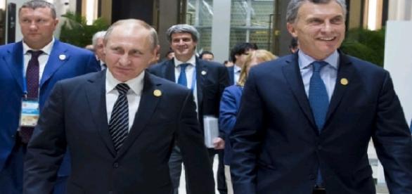 Encuentro del presidente de la Argentina con Vladimir Putin. (Foto: diariopopular.com.ar)