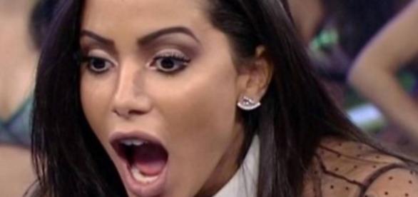 Equipe de Anitta faz feio e barraco cai na web