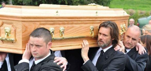 Jim Carrey aux obsèques de Cathriona White