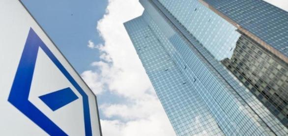 Milliarden-Sparprogramm: Deutsche Bank schließt fast jede dritte ... - focus.de