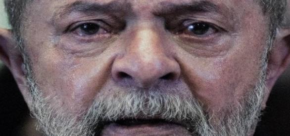 Sérgio Moro aceita denúncia de procuradores e Lula se torna réu pela Lava Jato