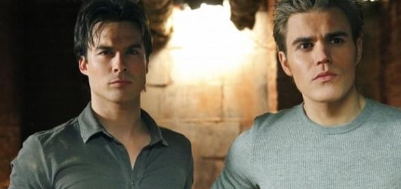 The Vampire Diaries: Damon e Stefan (Foto: CW)