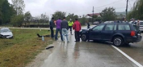 Un şofer prins băut luni a provocat un accident marţi. A băgat 4 oameni în spital
